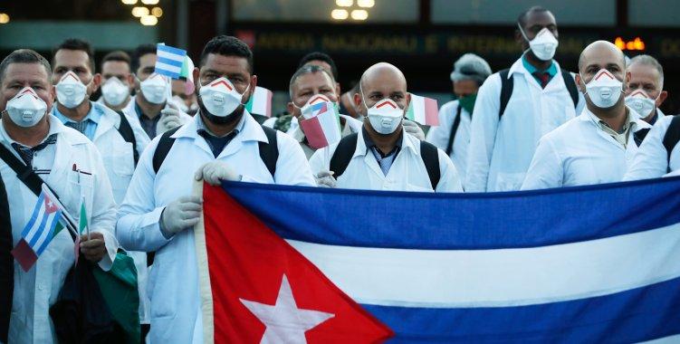 Médicos cubanos chegando em Angola - Covid-19