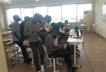 Estudantes da UAN assistindo as aulas